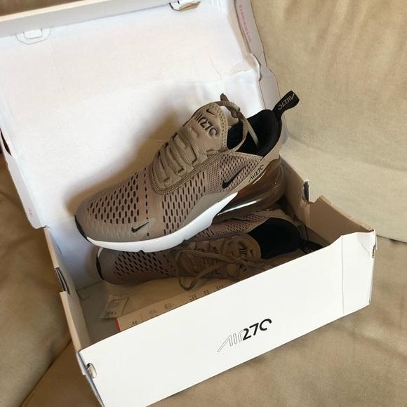 sports shoes 647e6 3e0c8 Nike air max 270 NWT